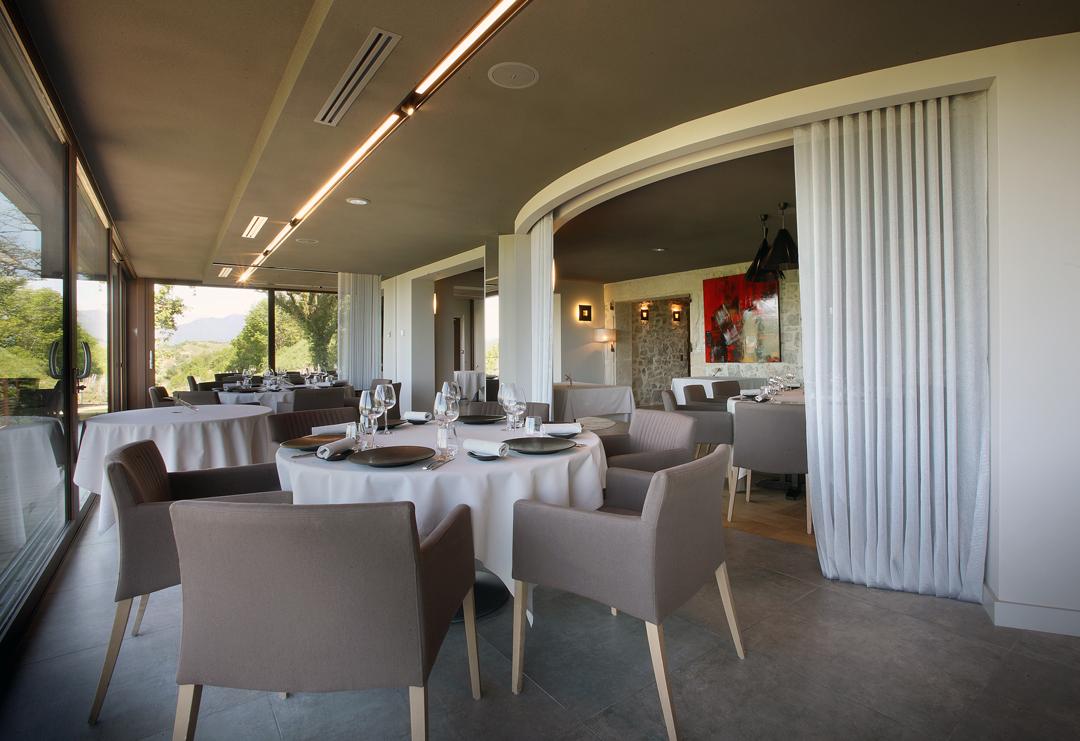 S'offrir une parenthèse gourmande au restaurant gastronomique  2 étoiles Michelin Les Morainières !