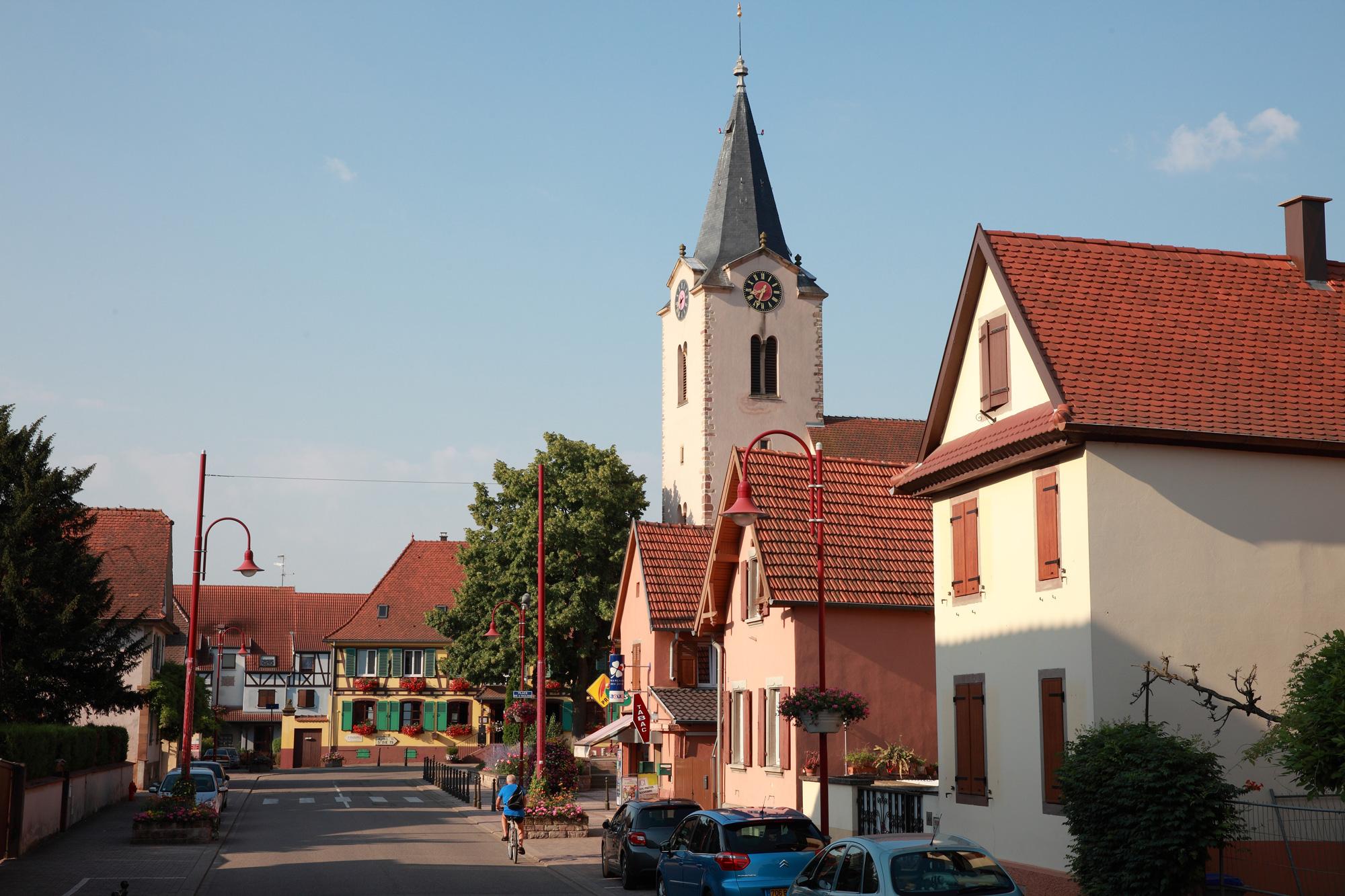 Plongez dans l'Alsace traditionnelle à l'hôtel du Père Benoît à Entzheim